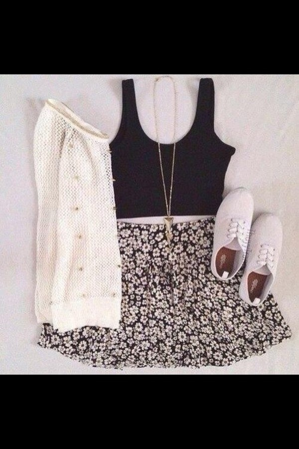 skirt sweater shoes shirt jewels daisy dasies black white floral flowers skater