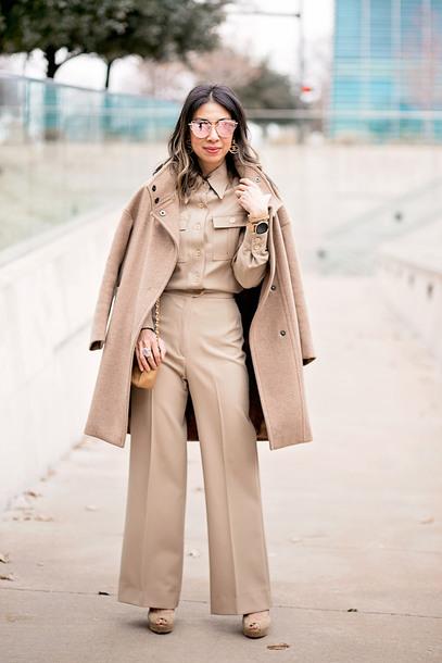 styleofsam blogger jewels shoes sunglasses fall outfits beige coat beige pants beige shirt