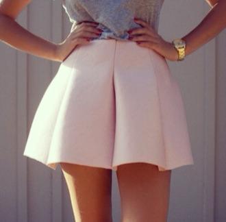 clothes t-shirt tank top watch gold watch top jewels starbucks gold skirt pink skirt dusty pink pastel pink cute skirt grey tank top grey tshirt grey t-shirt grey top gold jewelry gold jewels logo