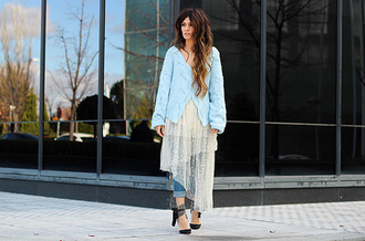 madame rosa blogger folk light blue cardigan cropped pants