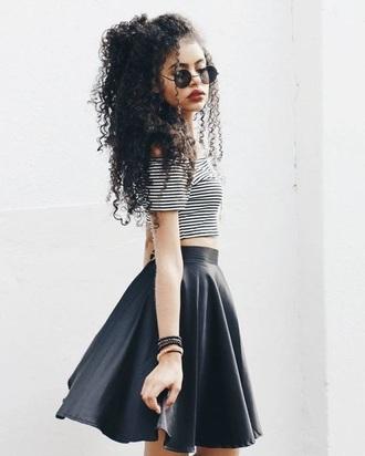 skirt black grunge wishlist shirt glasses curly hair