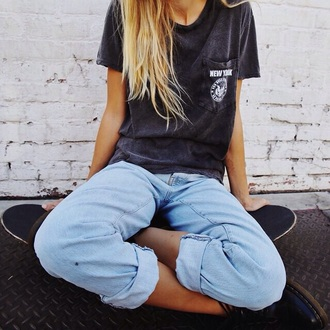 t-shirt grey t-shirt grunge hipster tumblr outfit tumblr new york shirt new york city graphic tee jeans pants black women girl blonde hair shirt top grey