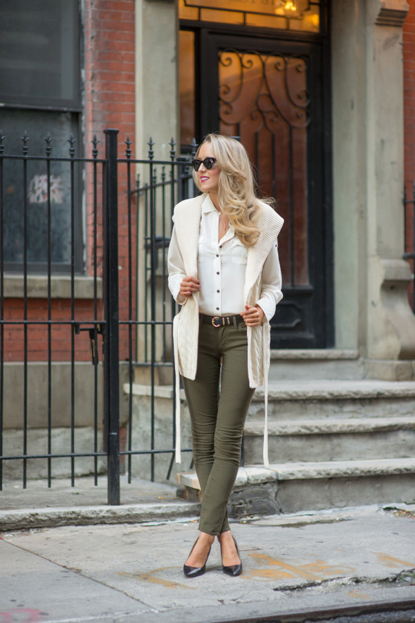 the classy cubicle blogger jeans blouse cardigan belt sunglasses jewels