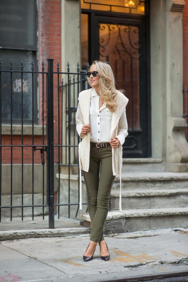 the classy cubicle blogger jeans blouse cardigan belt sunglasses jewels