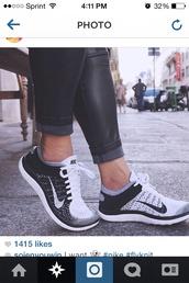 shoes,nike running shoes,nike shoes,nike free run,pants,black jeans,black pants,leggings,jeggings,nike shoes for women,black shoes,nike flyknit,nike sneakers,low top sneakers,nike,sneakers,fitness,black,white,grey,running shoes,black and white,nike flyknit running shoe,nike black white