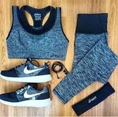 shoes,nike,nike running shoes,roshe runs,sports bra,running shoes,workout,workout leggings,leggings,grey