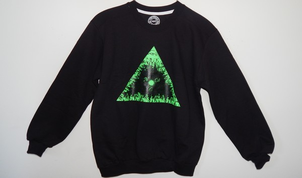 shirt crewneck triangle pyramid fire