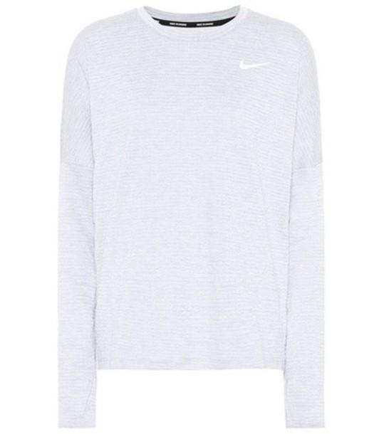 Nike top grey