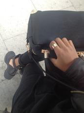 shoes,black,90s grunge,celebrity style,kylie jenner,celebrity style steal