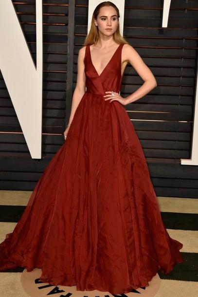 dress gown oscars 2015 suki waterhouse red carpet dress