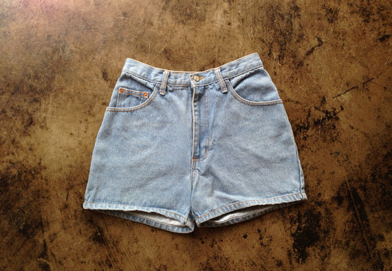Vintage 1990's light denim high waisted shorts by youngandukraine