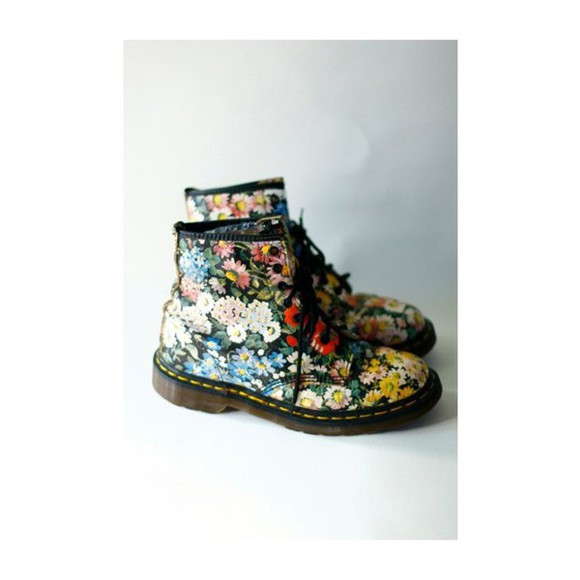 shoes boots combat boots DrMartens floral
