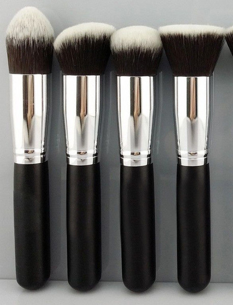 Polly Tip Make Up Brush | Outfit Made