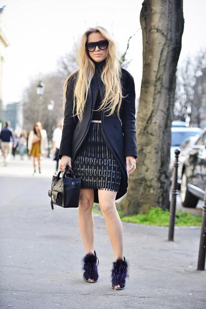 5 inch and up blogger coat sunglasses fringe skirt fringes leather skirt black sunglasses black bag sweater skirt shoes bag