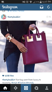 bag,purple,handbag,purse,burgundy,dope,classy girls wear pearls,gold,sexy,date outfit,clubwear,blouse
