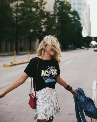 t-shirt skirt tumblr black t-shirt bag red bag mini skirt white skirt fringes fringe skirt