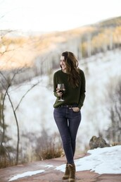 themiddlecloset,blogger,sweater,jeans,shoes,green sweater,ankle boots,skinny jeans,fall outfits