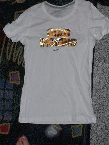 "Nike Slim Fitting Bold Gold ""Gold Digging"" Logo Slim Fit Tee Sz M New | eBay"