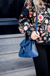 bag,tumblr,blue bag,sweater,embroidered,floral,floral sweater,printed sweater,black jeans,black pants,embroidered sweater