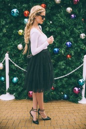 barefoot blonde,blogger,top,sunglasses,hairstyles,braid,tulle skirt,holiday season,pointed toe,date outfit,skirt,shoes,bag,jewels