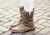 shoes,soft grunge boots,soft grunge shoes,indie boots,boots,combat boots,studded shoes,winter boots,vintage boots,studs,hipster,soft grunge,grunge shoes,90s grunge,indie,indie rock,vintage,old school