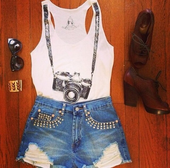 shorts white shirt high waisted short t-shirt shoes graphic tee