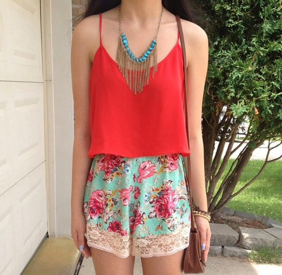top shorts floral shorts necklace High waisted shorts floral flowers flower print lace up lace tank top red jewels turquoise jewelry turquoise gold gold jewelry gold necklace girly tights