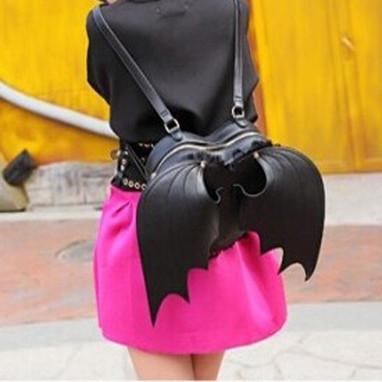 Batty backpack — nikki lipstick