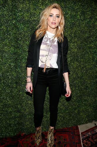 top fall outfits ankle boots amber heard necklace make-up jeans jacket
