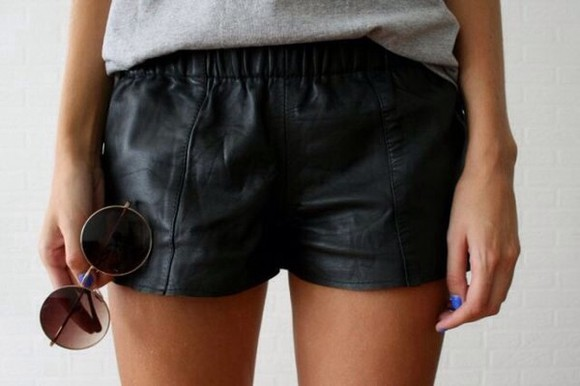 shorts black shorts black leather pants leather shorts sunglasses round sunglasses black, leather, shorts