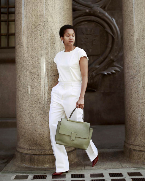 pants tumblr wide-leg pants white pants t-shirt white t-shirt bag green bag all white everything
