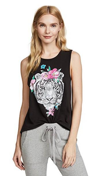tiger black top