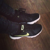 shoes,nike,black,white,yellow,sports shoes