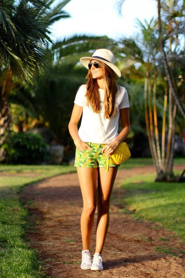 marilyn's closet blog blogger t-shirt shoes bag