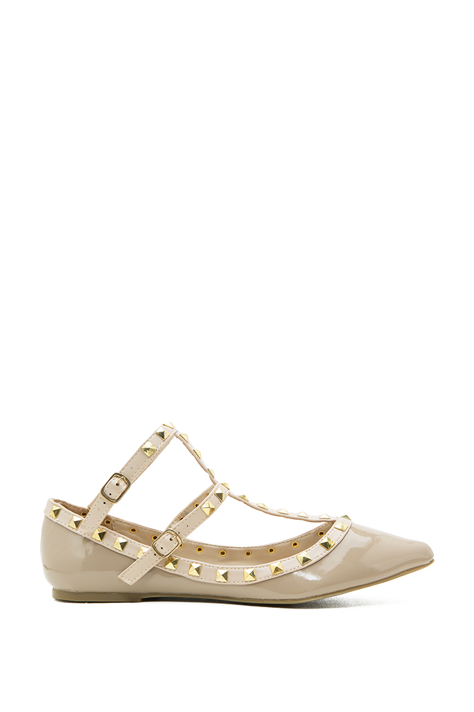 Pippa 35 Pointed Pyramid Stud Flat