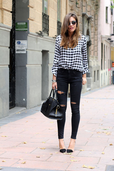 blouse t-shirt black and white shoes lady addict jeans ripped jeans checkered checkered skirt skinny jeans black jeans bag high heels zara yves saint laurent dior blogger sunglasses