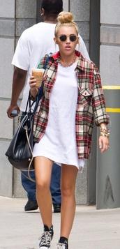 shirt,miley cyrus,tumblr,plaid,comfy,white,cute,sunglasses,t-shirt