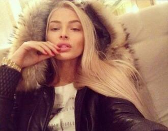 jacket alyona shishkova alena shishkova fur black jacket winter outfits winter jacket winter coat hoodie coat blonde hair blonde girl russian girl warm coat coat clothes model cold weather coat sexy jacket instagram instagram fashion instagram famous fur coat fur hood fur hood winter jacket fall outfits fall coat fashion russian model black black coat black and white gold watch style detailed sleeves knitted sleeve beige beige fur coats and jackets