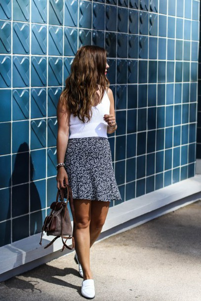 elodie in paris blogger top skirt shoes mini backpack mini skirt printed skirt white top back to school flats white shoes white flats