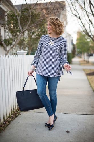 something delightful blogger top jewels bag tote bag skinny jeans ballet flats