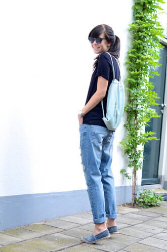 shoes t-shirt jeans sunglasses lovely by lucy