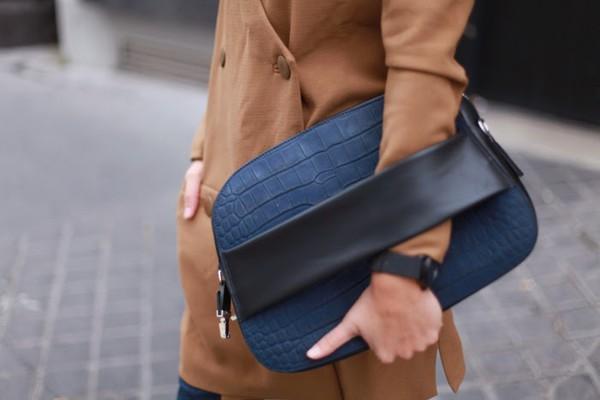adenorah blogger bag jeans sunglasses jewels