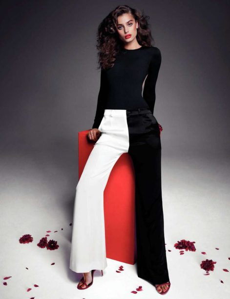 pants black and white Taylor hill model editorial top wide-leg pants