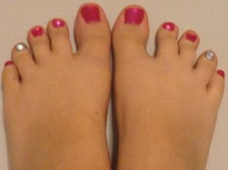 nail accessories pink and shiny silver nail polish