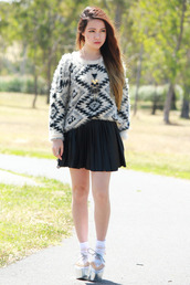 chloe ting,skirt,sweater,bag,jewels