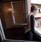 dress,dress with back pearls,black dress,backless dress