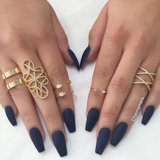 nail polish nails fake nails finger nails cute nails matte nail polish matte blue jewels jewelry gold gold ring knuckle ring ring bling dark dark nail polish