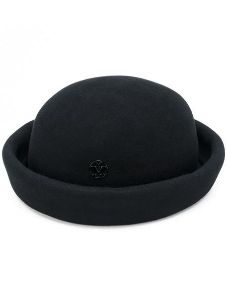 style hat black