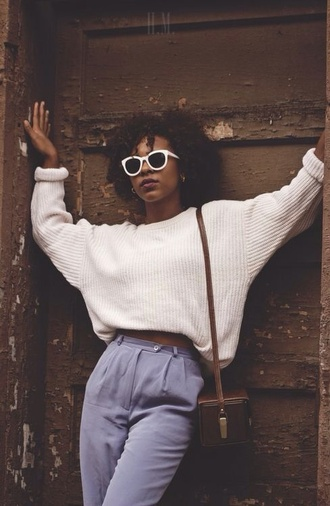 pants sweater bag jeans purse glasses curly hair natural hair 90s style black girls killin it white sweater chunky sweater sweater weather old school grey