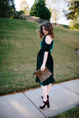 polishedclosets blogger dress shoes jewels bag green dress maternity dress cut out shoulder clutch animal print high heel pumps velvet dress